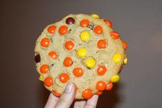 Peanut Butter Monster Cookies.  JulieBakes.blogspot.com