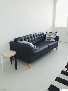olohuone,mustavalkoinen,retro,sohva,moderni Retro, Ikea, Couch, Interior, Furniture, Home Decor, Indoor, Homemade Home Decor, Sofa