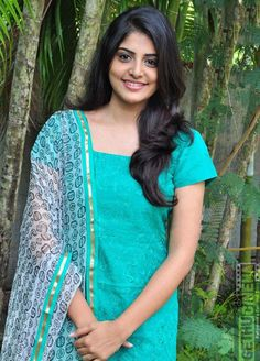 Most Beautiful Indian Actress, Beautiful Actresses, Beauty Full Girl, Beauty Women, Churidar Designs, Indian Costumes, Saree Photoshoot, Indian Girls, Indian Ethnic