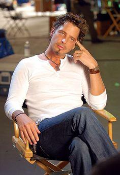 Chris Cornell beyond gorgeous...
