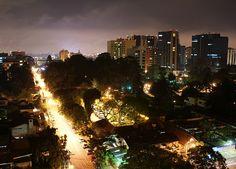 Zona Viva-guatemala: pasear en la noches para bucar diversion *bares, discotecas, etc*