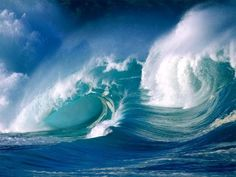 Powerful and majestic waves
