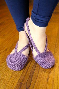 V-Strap Slippers PDF Crochet Pattern HOUSE Slippers Women Womans Crocheted Slippers Instant Download Strap Slippers Adult Size Easy Crochet