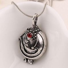 Material:Crystal Metals Type:Zinc Alloy Shape\pattern:Animal Necklace Type:Pendant Necklaces Chain Type:Link Chain Style:Classic Length:50-70cm Please allow 2-3 weeks for the product to arrive.