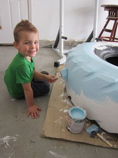 Make a sandbox with a tire! Luke is going to be a happy little boy, I cant wait to make it!!