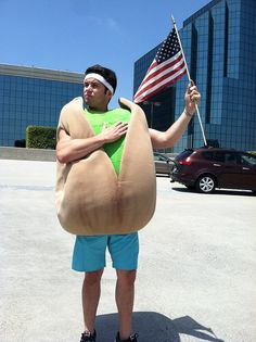 The Wonderful Pistachios Intern pays his respects on Memorial Day.
