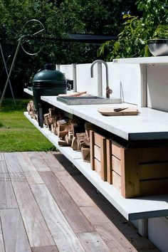 Basic Kitchen Area Concepts For Inside or Outside Kitchen areas – Outdoor Kitchen Designs Modern Outdoor Cooking, Outdoor Kitchen Design, Outdoor Kitchens, Concrete Kitchen, Kitchen On A Budget, Kitchen Ideas, Kitchen Decor, Kitchen Grey, Smart Kitchen