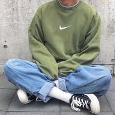 Style and boulevard footwear, seek our variety of fashionable streetwear trainers and tennis games shoes. Urban Aesthetic, Aesthetic Fashion, Aesthetic Clothes, Look Fashion, Teen Fashion, Fashion Outfits, Aesthetic Vintage, Fashion Clothes, Aesthetic Grunge