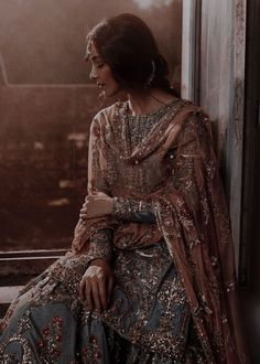 Simple Pakistani Dresses, Indian Gowns Dresses, Pakistani Outfits, Indian Bridal Outfits, Indian Designer Outfits, Indian Aesthetic, Desi Wedding Dresses, Indian Photoshoot, Indian Attire