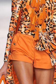 I normally don't like orange, but this isn't too bad, I like the combo.