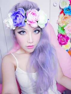 I'm not a huge fan of xiaxue but she looks so ethereal in this pic!