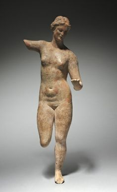 This terracotta from BCE Greece was likely inspired by the Aphrodite of Knidos by Praxiteles Ancient Greek Sculpture, Ancient Greek Art, Ancient Greece, Historical Artifacts, Ancient Artifacts, Greek History, Ancient History, Aphrodite, Art Roman