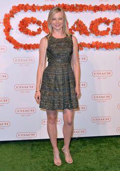 Amy Smart in Coach Amy Smart, Celebs, Celebrities, Classy Women, Summer Dresses, Formal Dresses, Woman Face, Sequin Dress, Sexy Legs