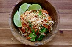 Salade thai (carottes, pousses soja, cacahuètes)