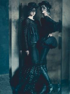 Ananas à Miami: Haute Tension by Paolo Roversi for Vogue Italia's September 2011 Couture Supplement