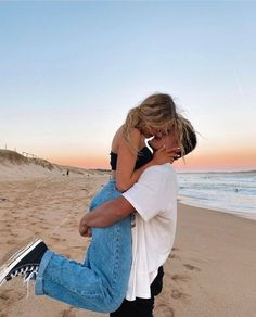 Cute Couples Photos, Cute Couple Pictures, Cute Couples Goals, Couple Pics, Couple Beach, Couple Fotos, Couple Posing, Couple Goals Relationships, Relationship Goals Pictures