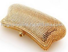 Rhinestone And Jewel Handbag Gold Fashion, Fashion Bags, Dali, Jewelry Gifts, Jewelry Accessories, Cute Wallets, Gold Shoes, Beaded Bags, Clutch Purse