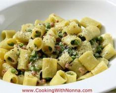 Mezzi Rigatoni with Peas, Prosciutto and Cream