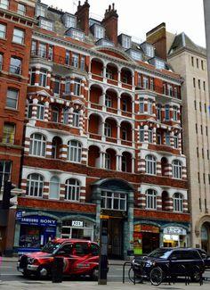 london, old fashion school,  near Buckingham Gate street