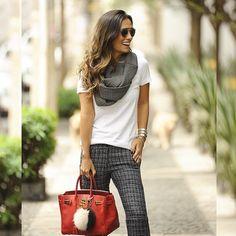 Elas usam Carol Bassi - a linda blogger @silviabraz do #FHits @fhits com a calça…