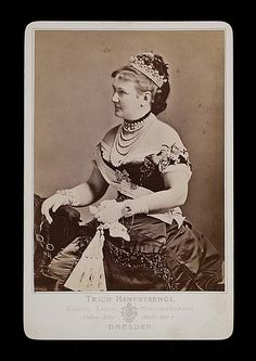 Carola Vasa, Queen of Saxony - looks like a pearl tiara German Royal Family, Royal Families Of Europe, Swedish Royals, Vintage Photographs, Royalty, History, Lady, Crown Jewels, Designer Jewelry