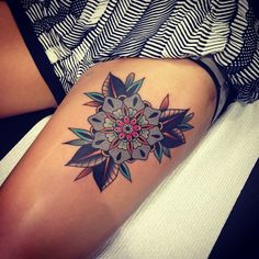 Bold and unashamed these geometric flower tattoos will have you feeling some real tattoo envy! Leg Tattoos, Body Art Tattoos, Sleeve Tattoos, Tatoos, Garter Tattoos, Tattoo Thigh, Trendy Tattoos, Tattoos For Women, Piercing Tattoo