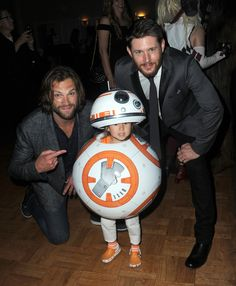 When They Posed With the Tiniest Little Star Wars Fan