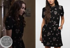 Spencer Hastings (Troian Bellisario) wears this black floral shirtdress in this week's episode of Pretty Little Liars. It is the Kimchi Blue Winnie Shirtdress and is sold out. Teen Wolf Outfits, Pll Outfits, Cute Outfits, Pretty Little Liars Mode, Pretty Little Liars Fashion, Fashion Tv, Fashion Outfits, Spencer Hastings Style, Troian Bellisario