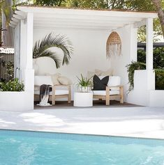 Australian covered outdoor poolside patio featured in stunning Byron bay Hampton. - renolove - Australian covered outdoor poolside patio featured in stunning Byron bay Hamptons style home. Outdoor Rooms, Outdoor Living, Outdoor Areas, Outdoor Pool Furniture, White Patio Furniture, Outdoor Side Table, Furniture Ideas, Outdoor Chairs, Style At Home