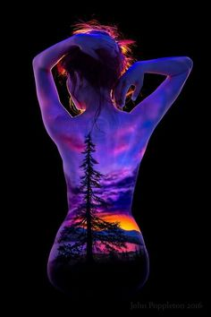 John poppleton uv body art sexy painting, image painting, back painting, painting tattoo Sexy Painting, Back Painting, Image Painting, Painting Tattoo, Painting Art, Photographie Art Corps, Skin Wars, Body Art Photography, Caran D'ache