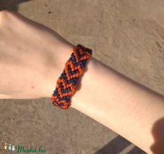 Szív mintás csomózott karkötő (pazarkicsinysegek) - Meska.hu Bracelet Knots, Knotted Bracelet, Friendship Bracelets, Handmade, Jewelry, Fashion, Moda, Hand Made, Jewlery