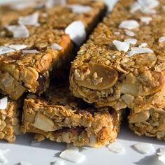 Barres de céréales bio à la noix de coco Biscuits, Krispie Treats, Lunch Box, Food And Drink, Gluten, Bio, Breakfast, Desserts, Barre