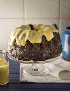 Malvapoeding met koek uit 'n boks Baking Recipes, Dessert Recipes, Malva Pudding, Pudding Cake, South African Recipes, Cookie Desserts, Something Sweet, Food To Make, Desert Recipes