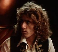 Roger Daltrey Best Rock Bands, Cool Bands, Rock And Roll Fantasy, John Entwistle, Pete Townshend, Roger Daltrey, Geek Humor, Attractive People, Lady And Gentlemen