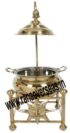 Brass Chafing Dish Brass Chafing Dishes manufactured, supplied and exported by us are used for dining purposes in leading restaurants, hotels, caterers, banquet halls, parties and functions and other eating outlets. Brass Chafing Dishes are also ideal gift items. An extensive range of our Brass Chafing Dishes includes superior quality Decorative Brass Chafing Dishes that are fabricated from supreme quality metals.