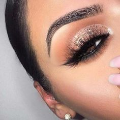 Clear Makeup Organizer #naturaleyemakeup