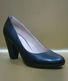 Take a look at this Black Gaston Pump by Chelsea Crew on #zulily today! $39.99, regular 69.00. Sale ends in 2 days, 7 hours. In otherwords, sale ends on Saturday, June 8th in the evening.