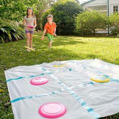 Ideas Backyard Bbq Games Outdoor Twister For 2019 Backyard Party Games, Outdoor Party Games, Slumber Party Games, Kids Party Games, Birthday Games, Backyard Carnival, Water Birthday, Birthday Recipes, Outdoor Parties