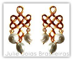Brincos em ouro 750/18k e pérolas (750/18k gold earrings with pearls)