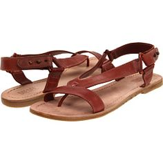 ok, there might be a trend here. i need summer sandals...