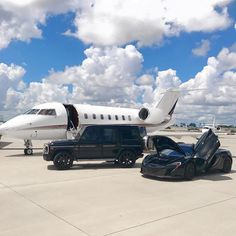 Private Jet, G Wagon and McLaren Luxury Lifestyle Ultra Millionaire Expensive Taste Mens Goals Wealthy Lifestyle, Billionaire Lifestyle, Rich Lifestyle, Luxury Lifestyle, Luxury Sports Cars, Best Luxury Cars, Flipagram Instagram, Carros Audi, Luxury Private Jets