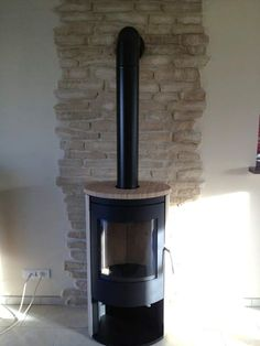 Sand stone steel wood stove Source by flopoisson Freestanding Fireplace, Stove Fireplace, Wood Burner, Into The Woods, Exposed Brick, Home Renovation, Home Furniture, Home Improvement, Sweet Home