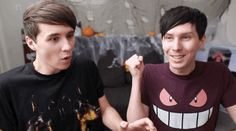 dan and phil missing eye contact<< why is this gif funny to me?