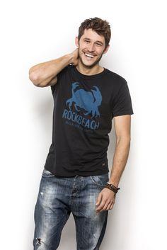 Rock Beach chicos... camisetas y sudaderas 100% Mediterráneas. En 24 horas en tu casa. www.rockbeachco.com