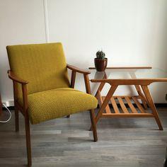 Webe, van Teeffelen fauteuil met vintage salontafel
