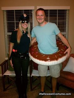Get into the Halloween spirit by coordinating a costume with your sweetie. These clever costumes are easy to DIY and well-suited for fun-loving couples. Homemade Halloween Costumes, Theme Halloween, Easy Costumes, Creative Costumes, Couple Halloween Costumes, Diy Halloween Costumes, Holidays Halloween, Happy Halloween, Costume Ideas