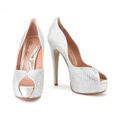 These gorgeous #ArunaSeth heels are perfect for your #WeddingDay!! <3 www.weddingworthy.com <3
