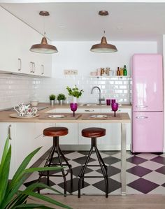 What an adorable kitchen