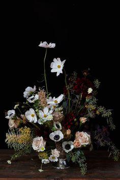 This is a flower arrangement/ decoration for the party. Wedding Flower Arrangements, Flower Centerpieces, Floral Arrangements, Wedding Flowers, Wedding Centerpieces, Wedding Bouquets, Dark Flowers, Colorful Flowers, Beautiful Flowers