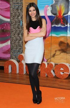 Meet Girls, Girls Show, Victoria Justice, Nylons And Pantyhose, Fashion Tights, Sexy Stockings, Beautiful Celebrities, Celebrity Pictures, Sexy Legs